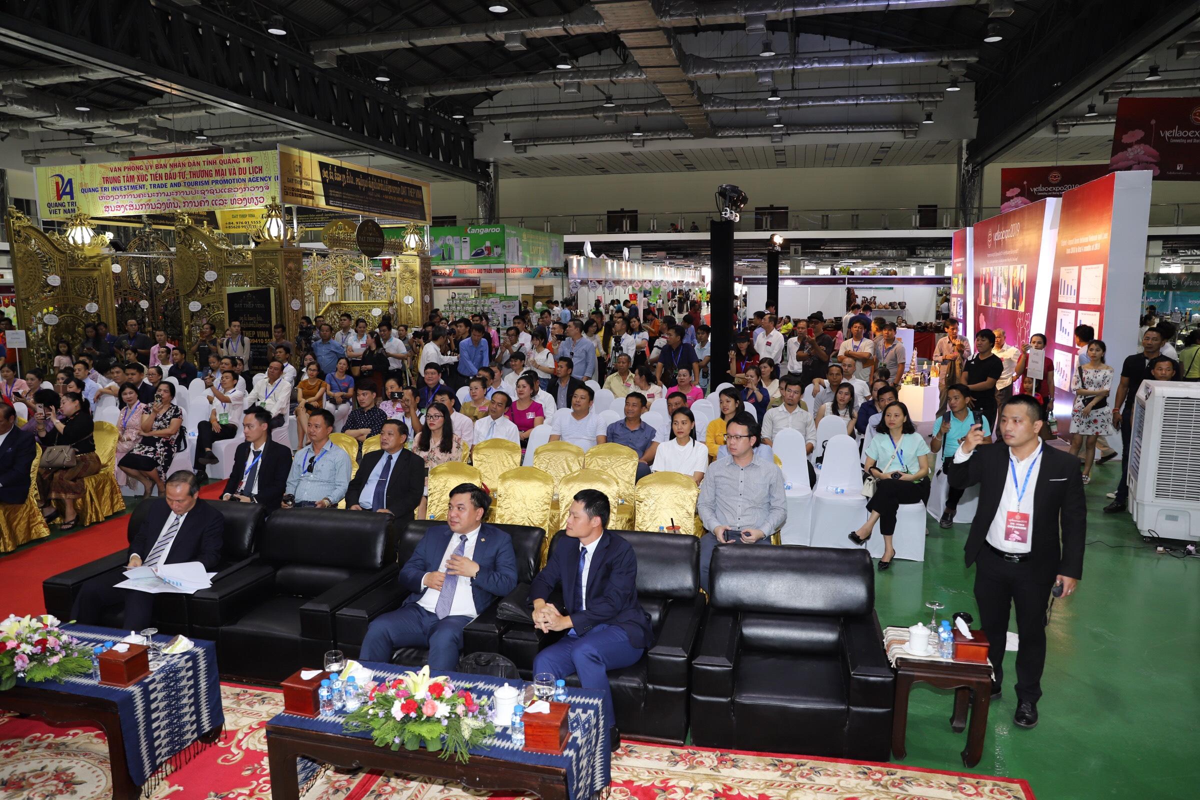 Doanh nghiệp Quảng Trị tham gia Hội chợ thương mại Việt - Lào năm 2019, tại thủ đô Viêng Chăn, Lào.