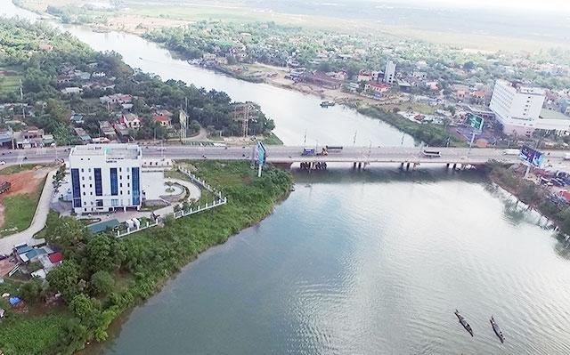 Cầu bắc qua sông Hiếu tại thành phố Đông Hà